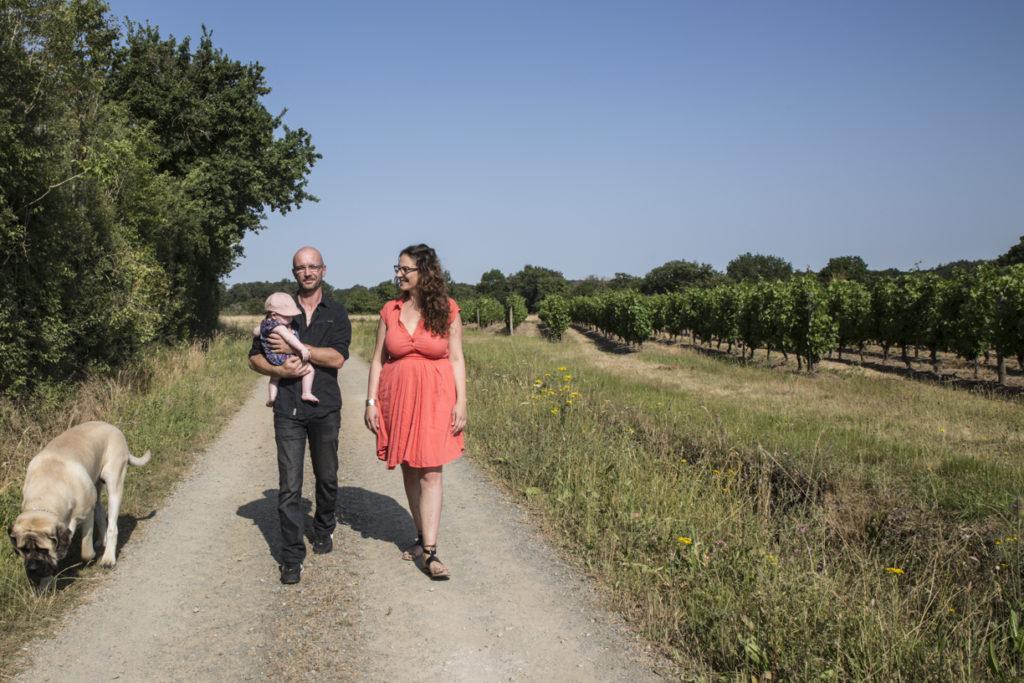 Photo de famille dans les vignes 1