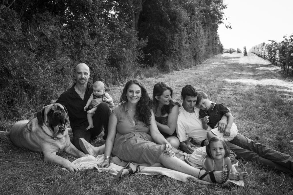 1A9A4718Photo de famille dans les vignes 10